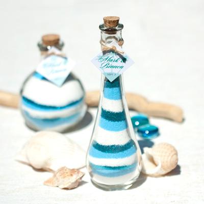 DIY Colored Sand Wedding Favors #wedding #diy #decoration #favor #craft #beach #sand