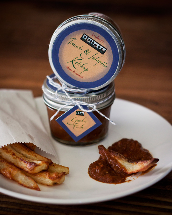 Slow Roasted Tomato and Jalapeño Ketchup from My Own Ideas blog #recipe #homemade #gift #label