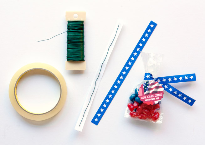 4th of July Candy Favors + DIY Twist Tie Tutorial #printable #craft