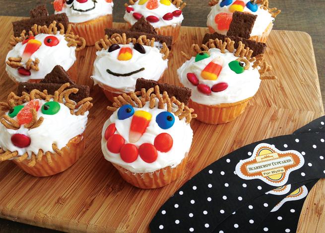 Scarecrow Cupcakes #homemade #kids #halloween #autumn #recipe #diy #labels #printables