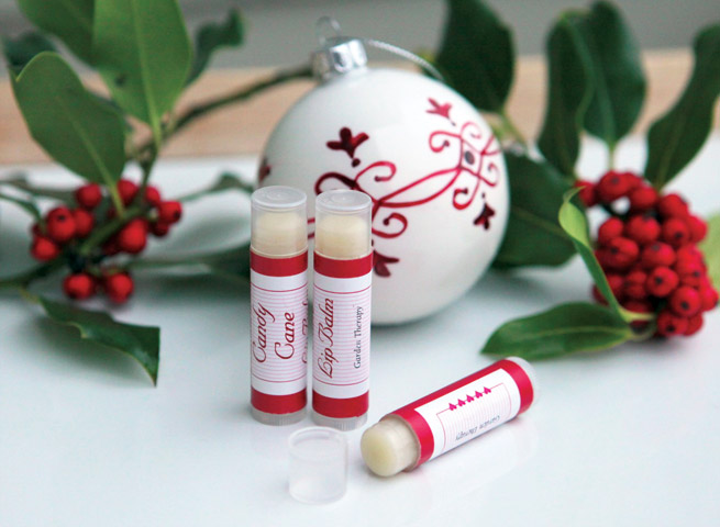 DIY Candy Cane Lip Balm #homemade #craft #gift #holiday #christmas
