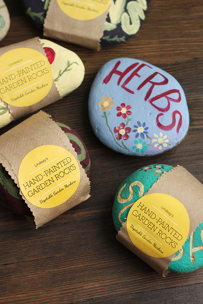 DIY Painted Garden Rocks #gardening #gift #labels #housewarming